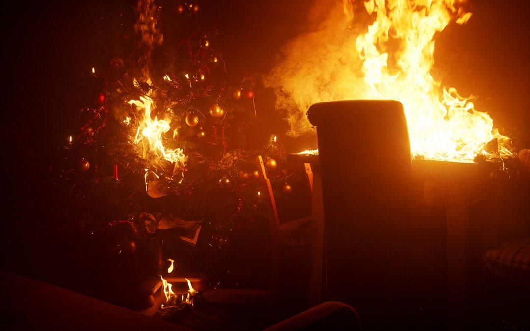 Christbaum Brand, Adventskranz, Wohnungsbrand