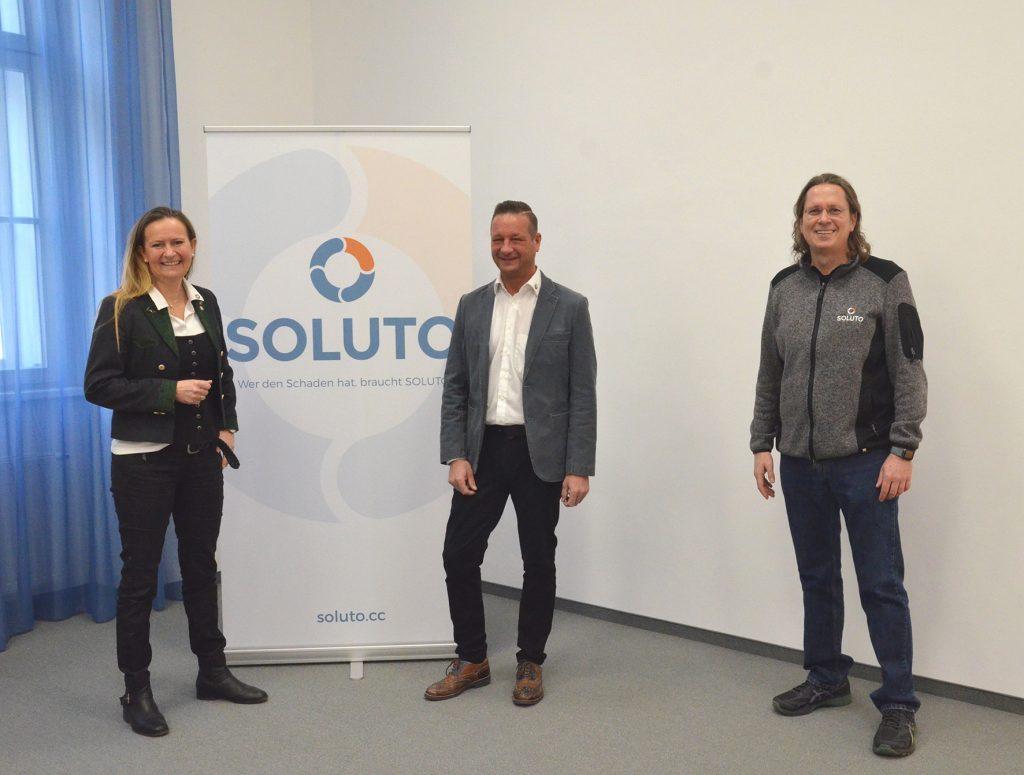Birgit Kagerer-Wiesinger, Geschäftsführerin SOLUTO / Florian Nendwich, Franchise-Partner und Geschäftsführer SOLUTO Nendwich / Martin Zagler, Inhaber von SOLUTO